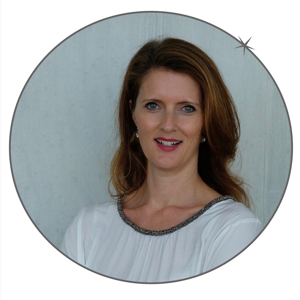 Nadine Hirschi | medium | psychic | medium Switzerland | private mediumistic sitting | coaching | energetic work | energy work | meditation